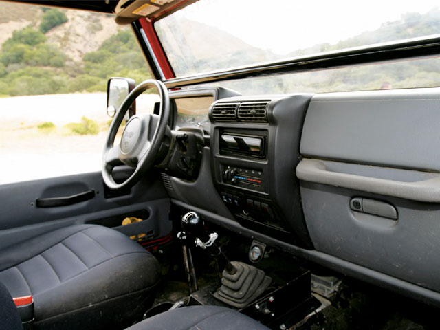 129 0711 63 z+1997 jeep tj+interior