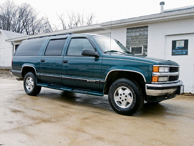 1995 Chevy Suburban 1500 stock Photo 9572133