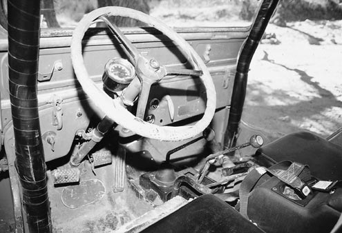 933large+1950 jeep cjv35u+wheel view