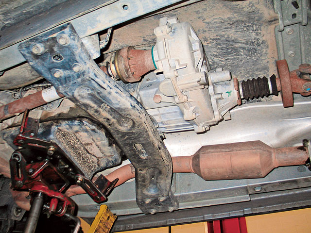 0611 4wd 03 z+2002 Jeep Liberty Klune Underdrive+nv424 bottom view