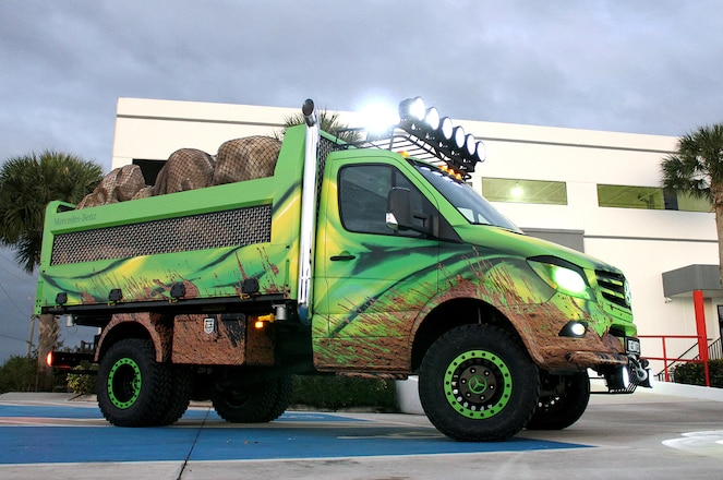 Mercedes-Benz Sprinter Extreme Concept Ready to Take On Tyrannosaurus