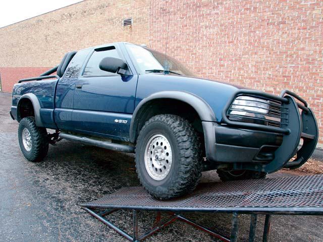 2001 Chevy S-10 Pickup ZR2 Lift Kit - Upping The Ante