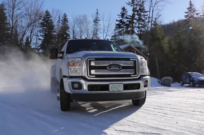Video: Can You Drift a Ford F-450 Dualie? Yes