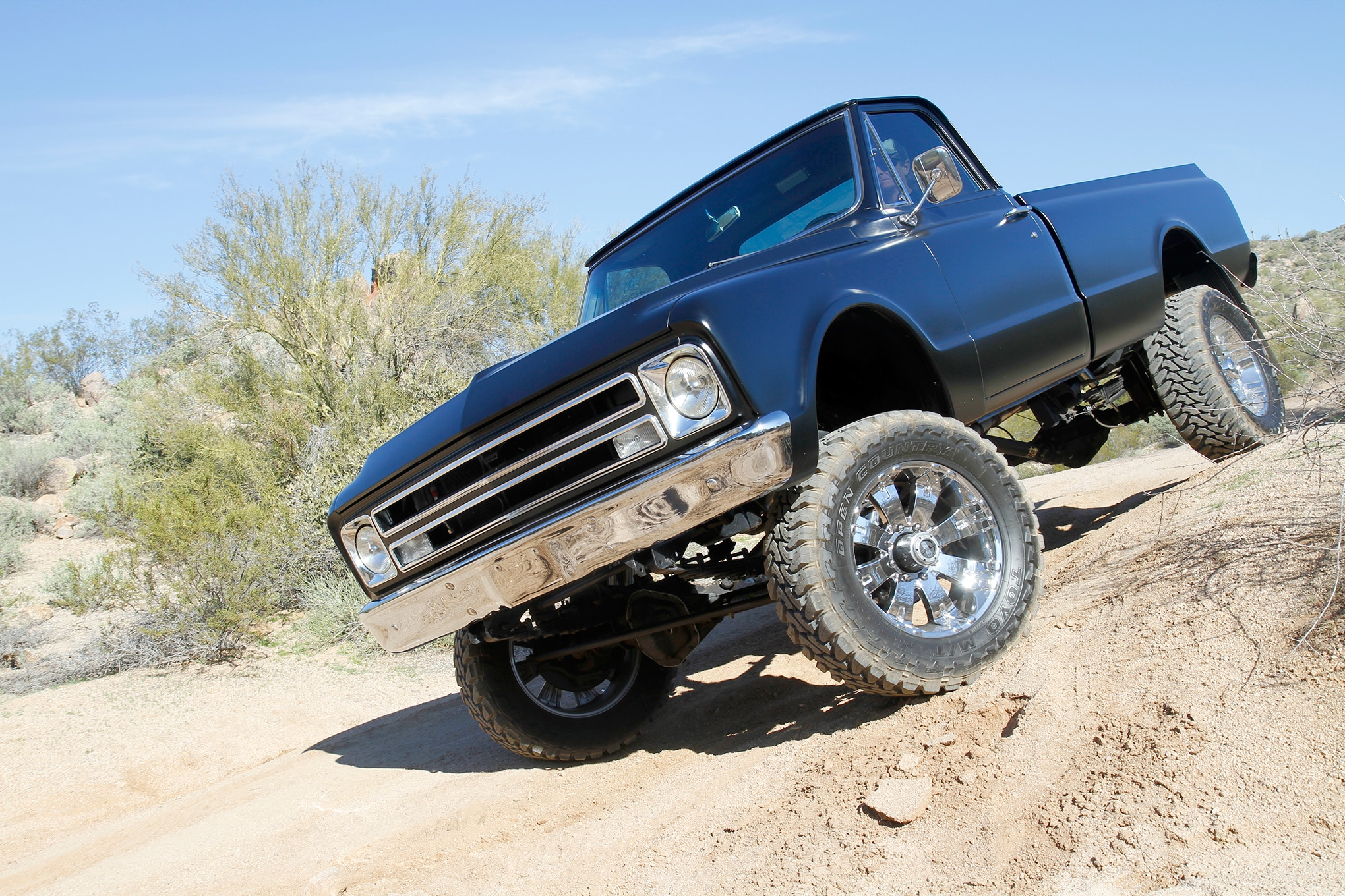 Clean & Black – A 1967 Chevy C20 Undergoes a Modern 4x4