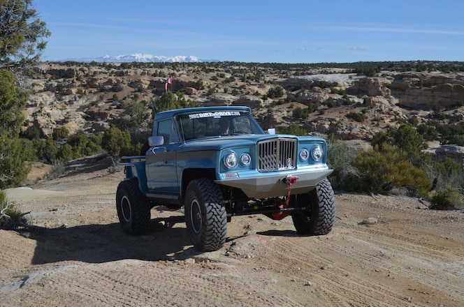This Perfect 1969 Jeep J2000 Gladiator Joined The 2019 Jp Dirt 'N Drive