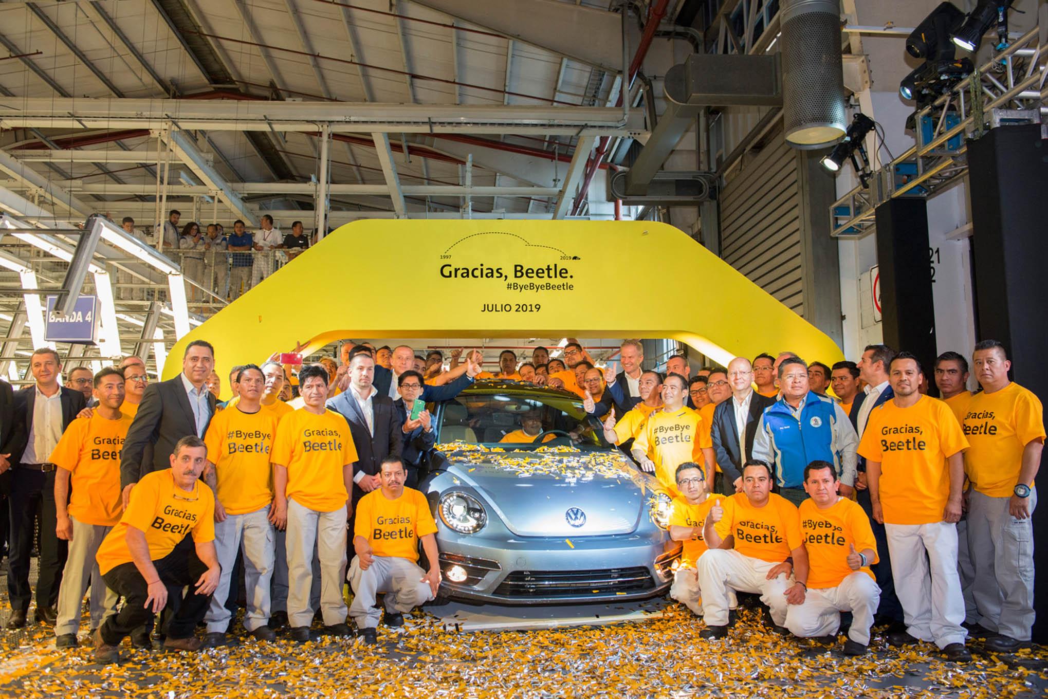 008 auto news jp jeep production ends vw beetle