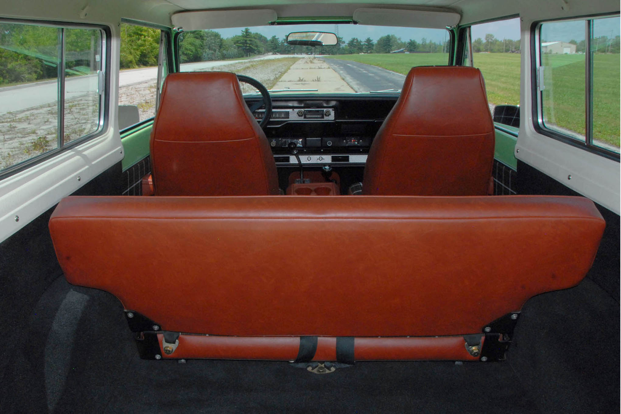 015 1979 scoutii interior back to front