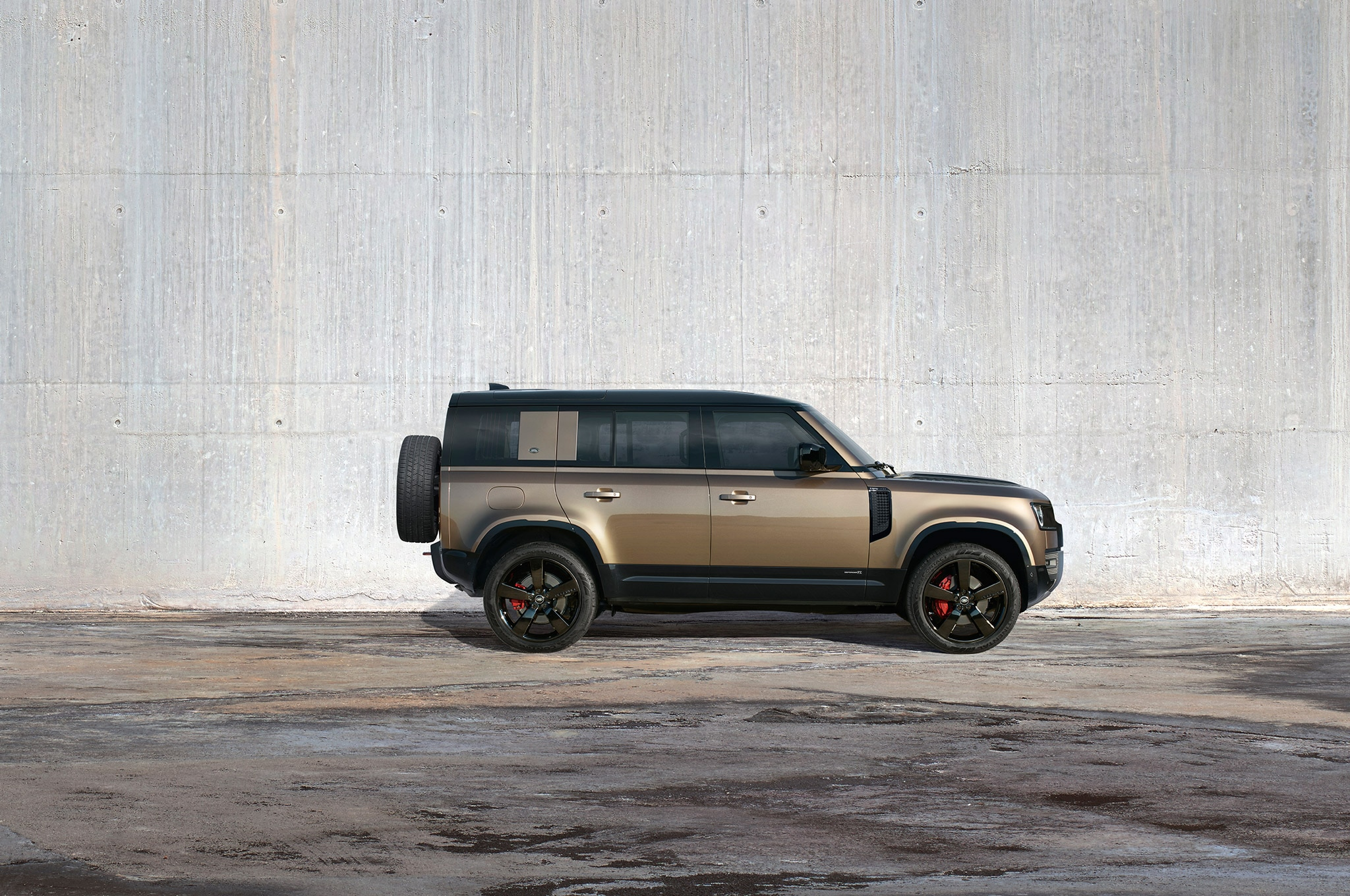 2020 land rover defender 110 exterior side profile static