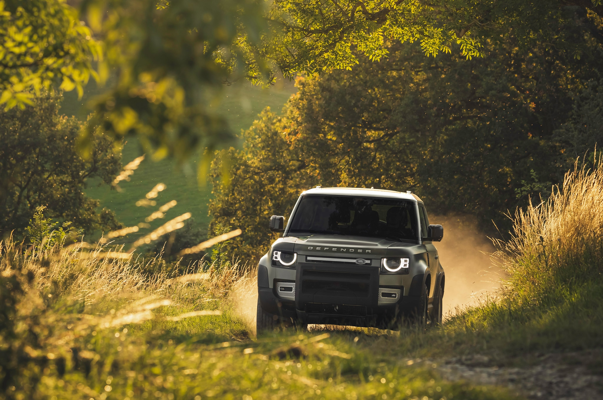 2020 land rover defender 90 off road dirt 01