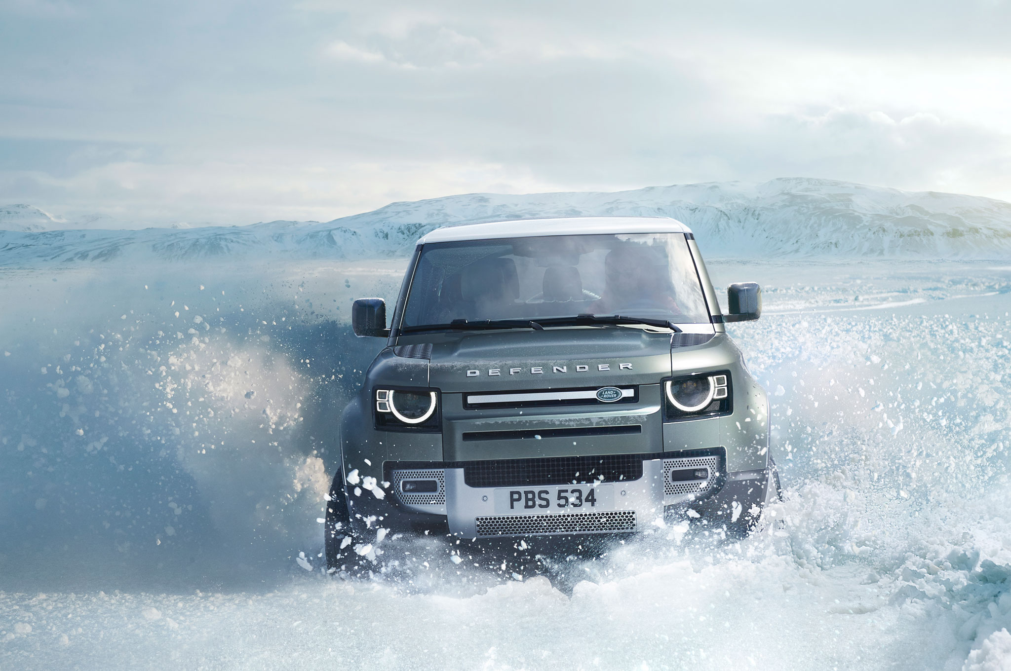 2020 land rover defender 90 off road snow 04
