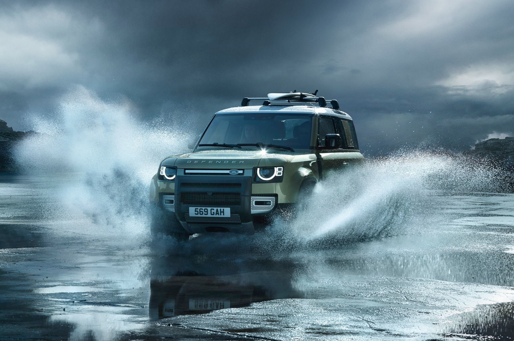 2020 land rover defender 90 off road water 01