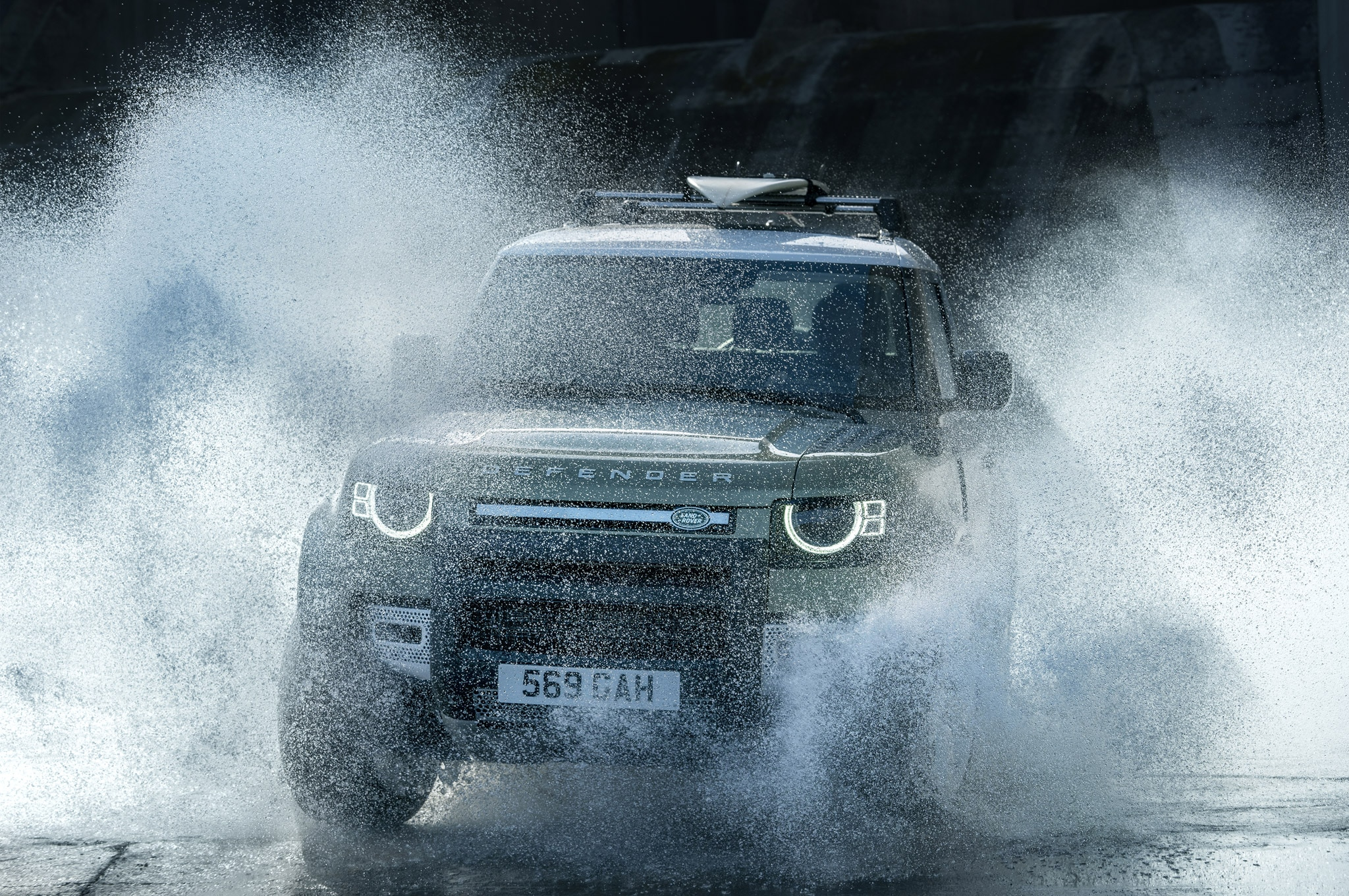 2020 land rover defender 90 off road water 02