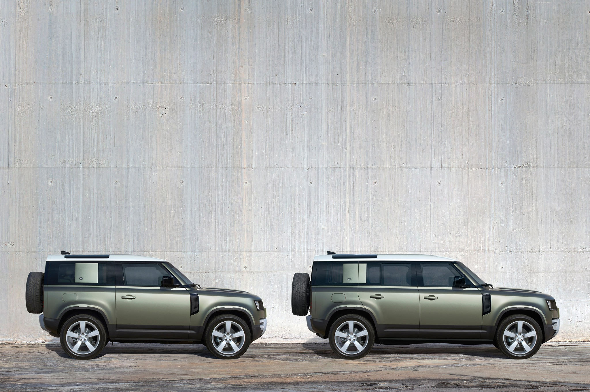 2020 land rover defender exterior side profile static