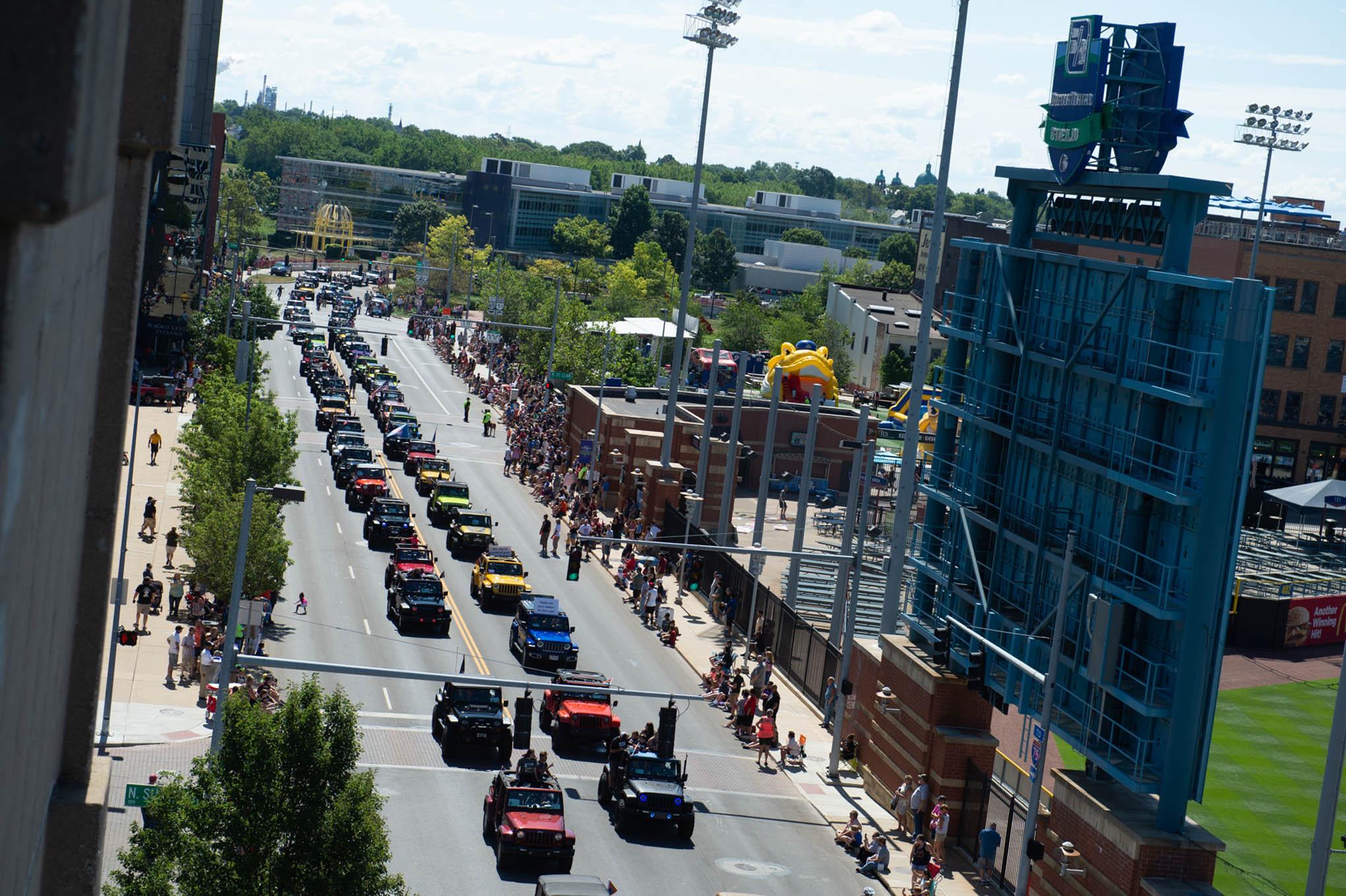040 toledo jeep fest parade over