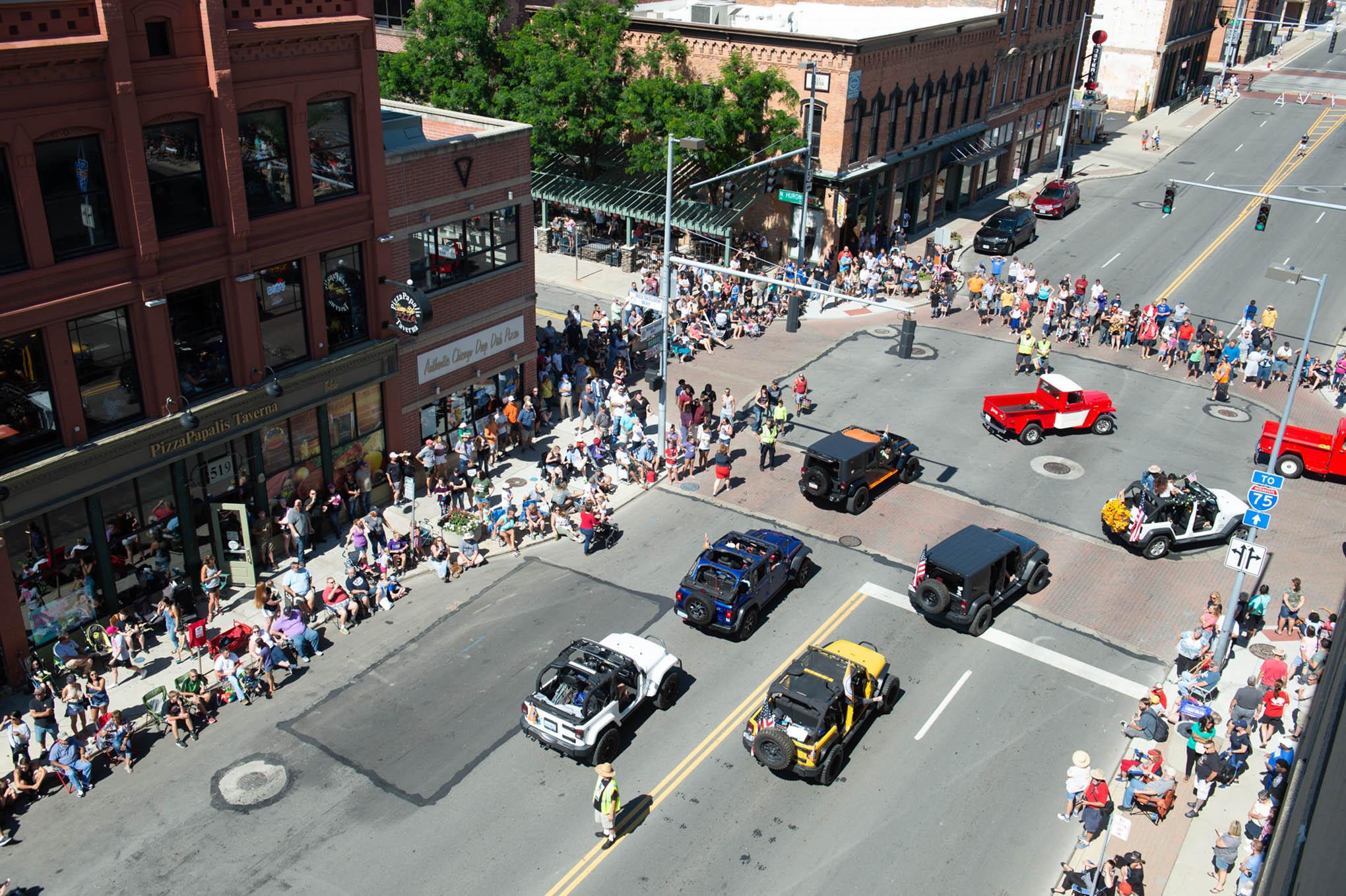 042 toledo jeep fest parade turn