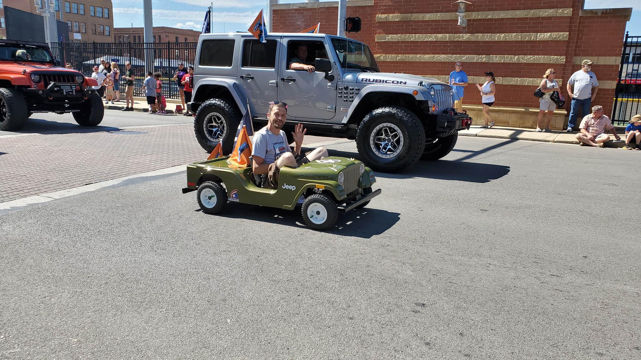 044 toledo jeep fest parade mini