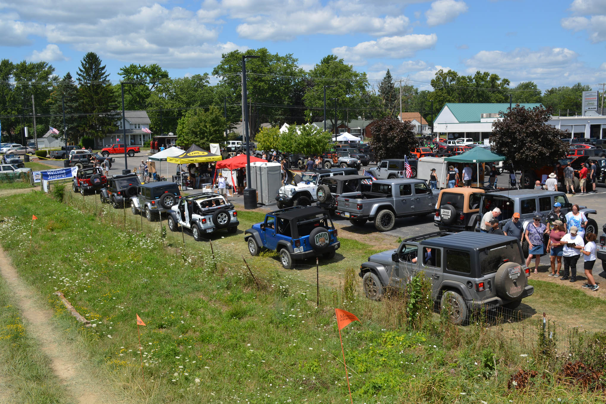 045 toledo jeep fest obstacle line