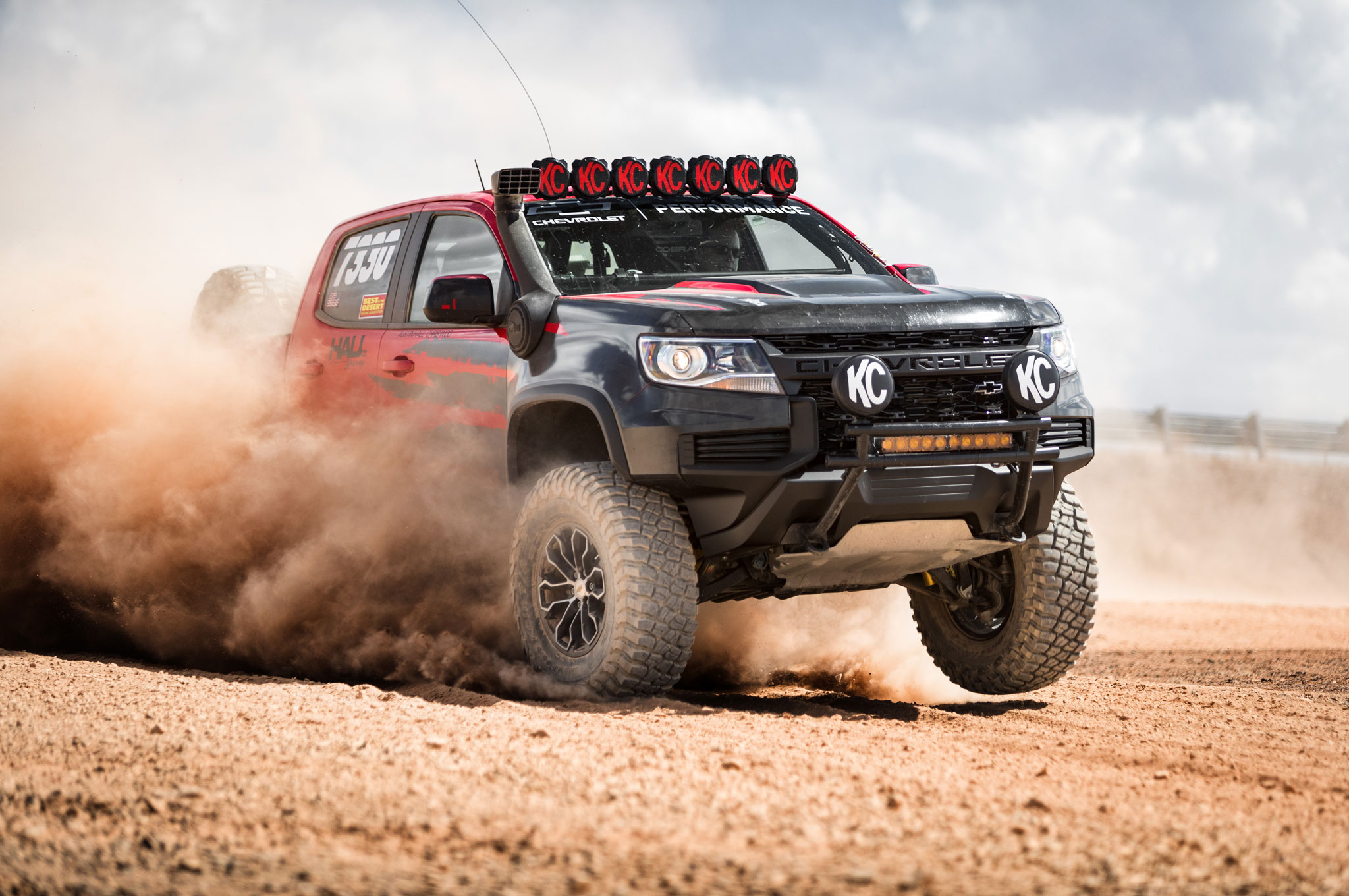 2021 chevrolet colorado zr2 race truck front quarter 02