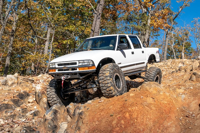Daring 10: A Solid-Axle 2001 Chevy S-10 Crew Cab Pickup Built With Dollar-Smart Parts